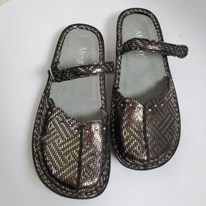 Algeria Silvery Tuscan Mary Jane Style Shoes